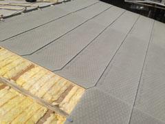 Grüningen, zusätzliche Isolation 160mm und Meteo-Unterdachplatten.